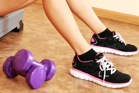 girls feet with weights