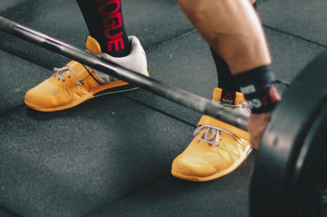 deadlift in reebok lifter shoes